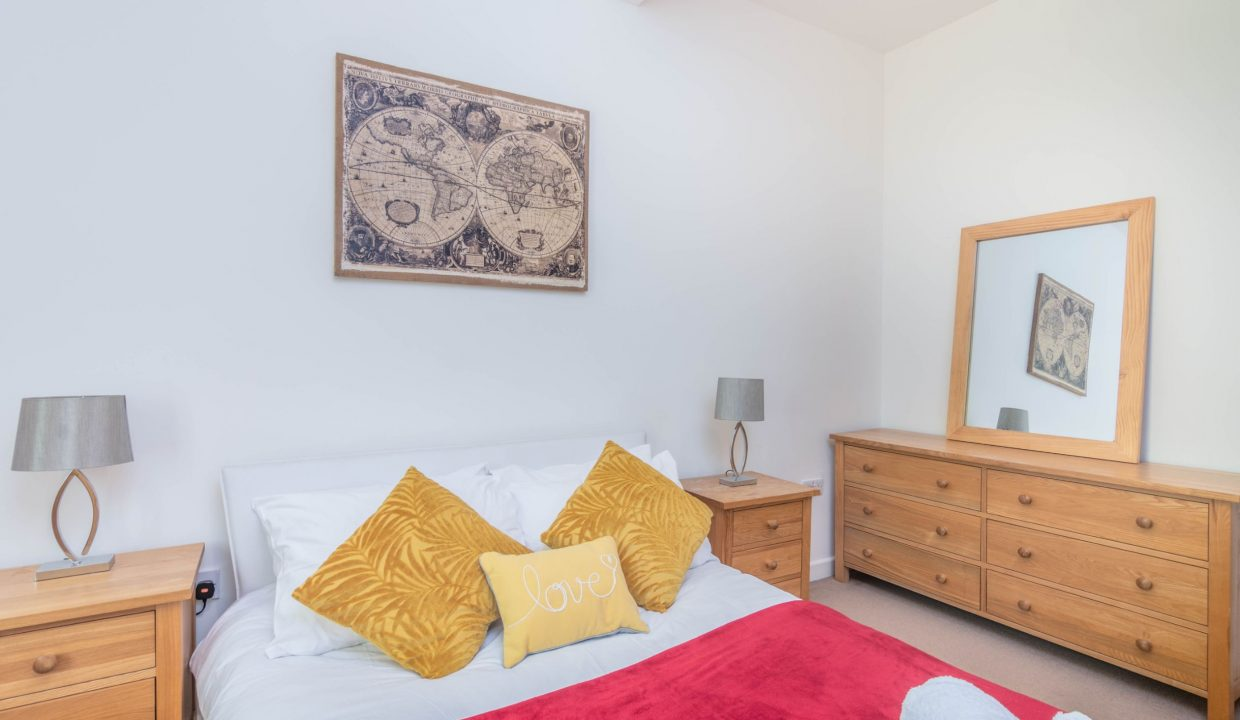 lyter-living-rentals-oxford-wharf-house-24
